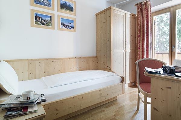Hotelzimmer mit Balkon