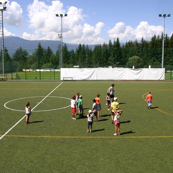 Kinderanimation am Fußballplatz