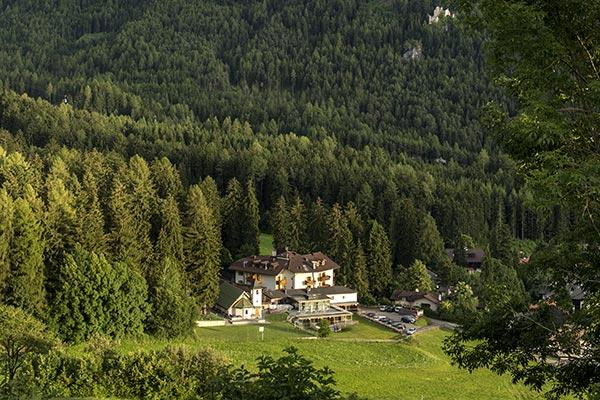 Hotel Villamadinna am Füße des Berges Schlern